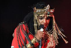 M.I.A. Flips Middle Finger At Superbowl XLVI Halftime Show