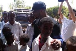 Photos: 50 Cent Visits Somalia To Donate Meals