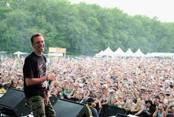"""Logic Brings 12-Year Old Fan Onstage to Perform """"Gang Related"""""""