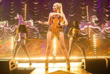 Iggy Azalea Says She Had To Stop Crowd-Surfing Due To Inappropriate Fan Behavior