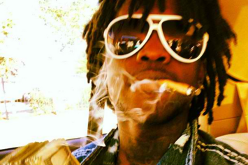 """Chief Keef Announces """"GLO Gang Weed Shop"""" Opening"""