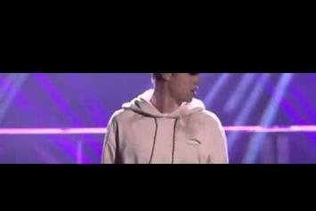 Justin Bieber Performs Three Songs In A Row To Cap Off The 2015 AMAs