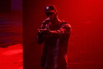 "Bryson Tiller Performs ""Exchange"" On Seth Myers"