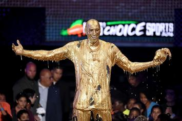Kobe Bryant Got Hit With A Tsunami Of Golden Slime At The Kids' Choice Award