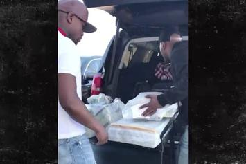 Floyd Mayweather Prepares For Opening Of His Vegas Strip Club With Cart Of Money