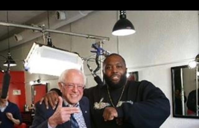Bernie Sanders poses with Run the Jewels rapper Killer Mike