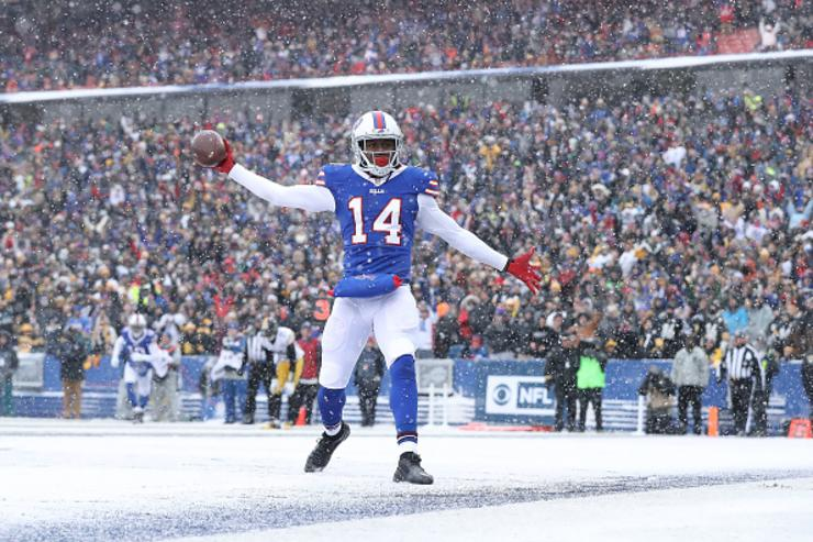 Rams acquire receiver Sammy Watkins in a trade for cornerback EJ Gaines